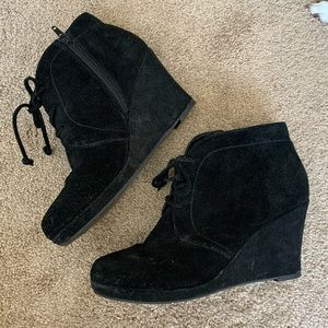 Dolce Vita Black Suede Lace-Up Wedge Booties 8.5